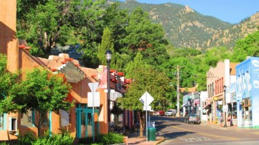 manitou springs buddhist dating site The mountains and rivers order is a western zen buddhist lineage established by the late john daido loori roshi and dedicated to sharing the dharma as it has been.